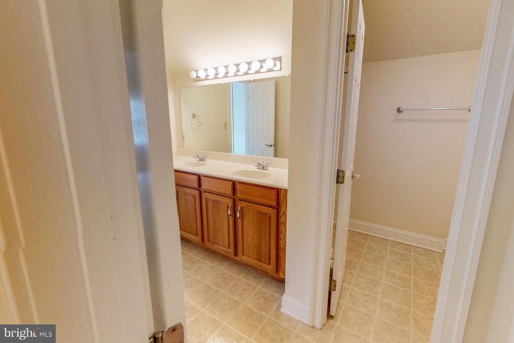 Bathroom - 1600 MILLWOOD PIKE, WINCHESTER