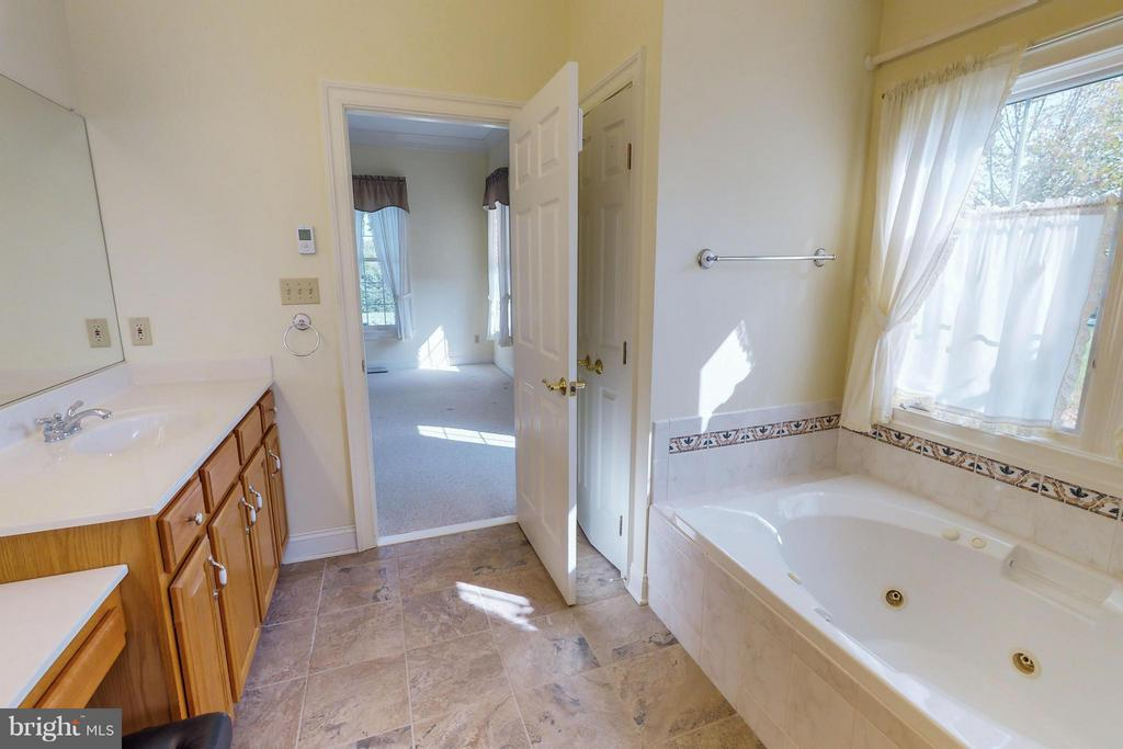 Bedroom (Master) - 1600 MILLWOOD PIKE, WINCHESTER