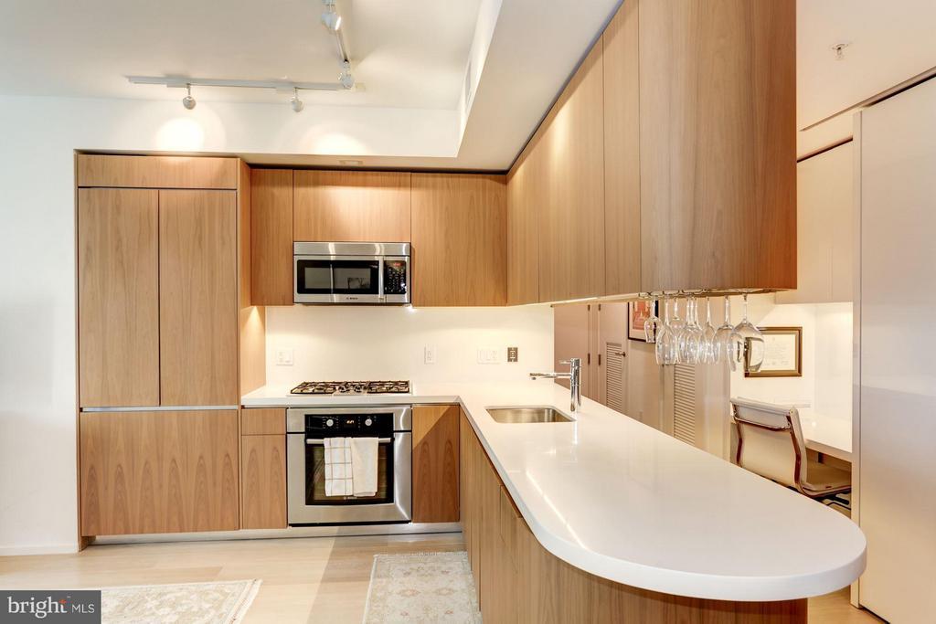 Kitchen - 925 H ST NW #613, WASHINGTON