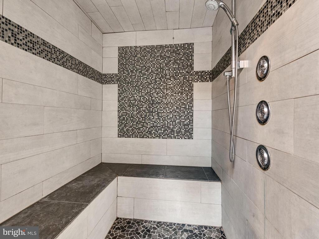 Custom steam shower - 7621 STEWART HILL RD, ADAMSTOWN