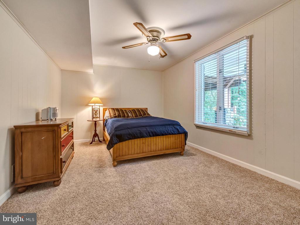 Large bedroom in the basement - 7621 STEWART HILL RD, ADAMSTOWN