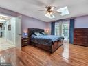 First floor master w/ walk in closet - 7621 STEWART HILL RD, ADAMSTOWN