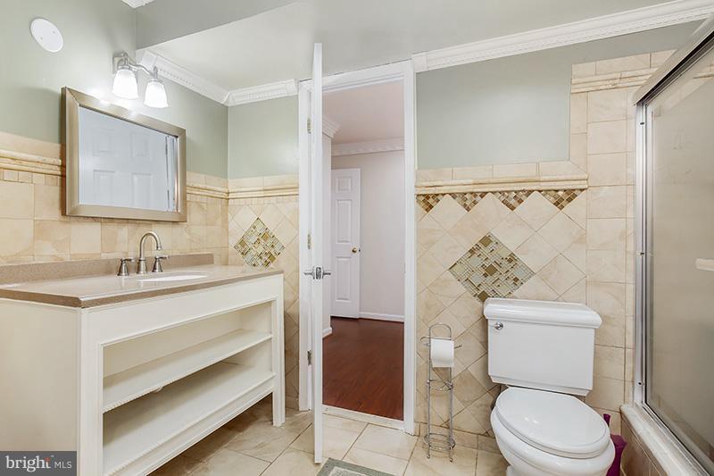 Full bath in basement - 6093 DEER RIDGE TRL, SPRINGFIELD