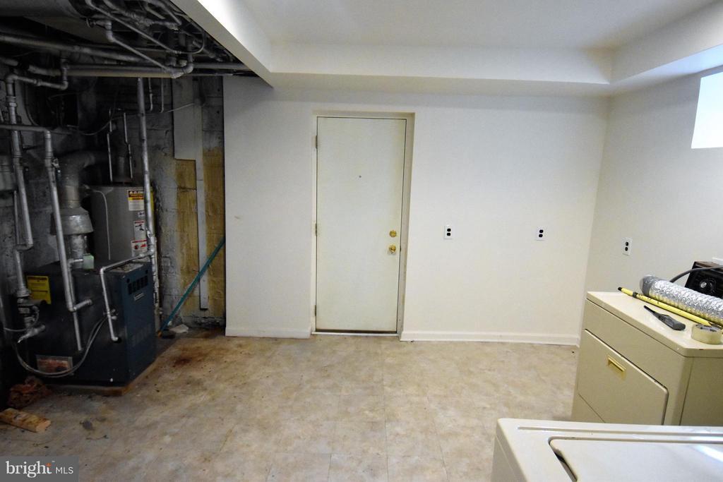 Laundry Utility Room - 7527 9TH ST NW, WASHINGTON