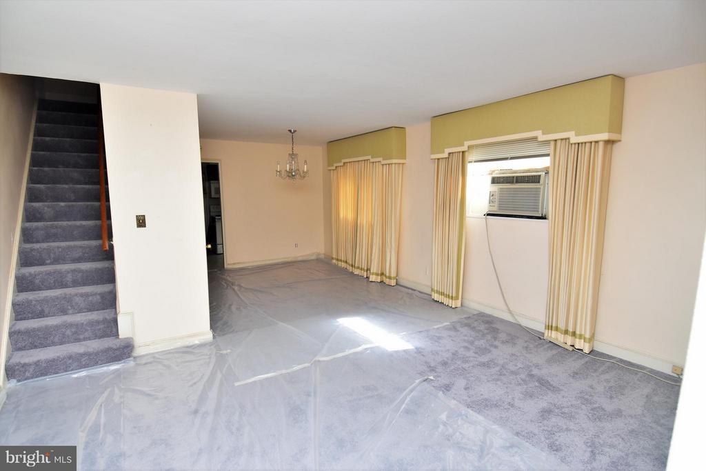 Living Room - 7527 9TH ST NW, WASHINGTON
