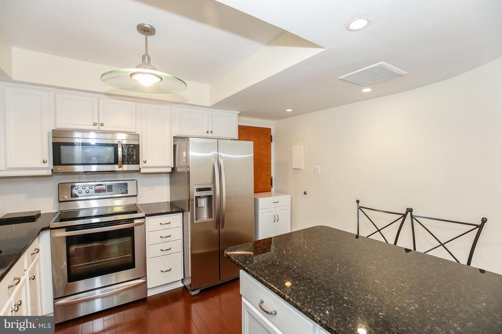 Kitchen - 1101 ARLINGTON RIDGE RD #201, ARLINGTON