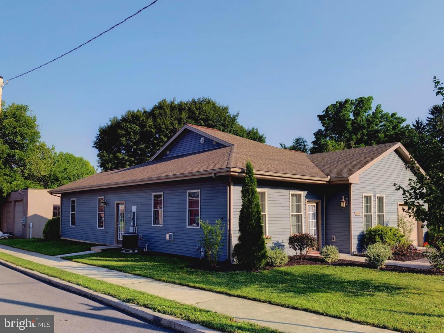 Photo of home for sale at 500 Brumbaugh Avenue, Chambersburg PA