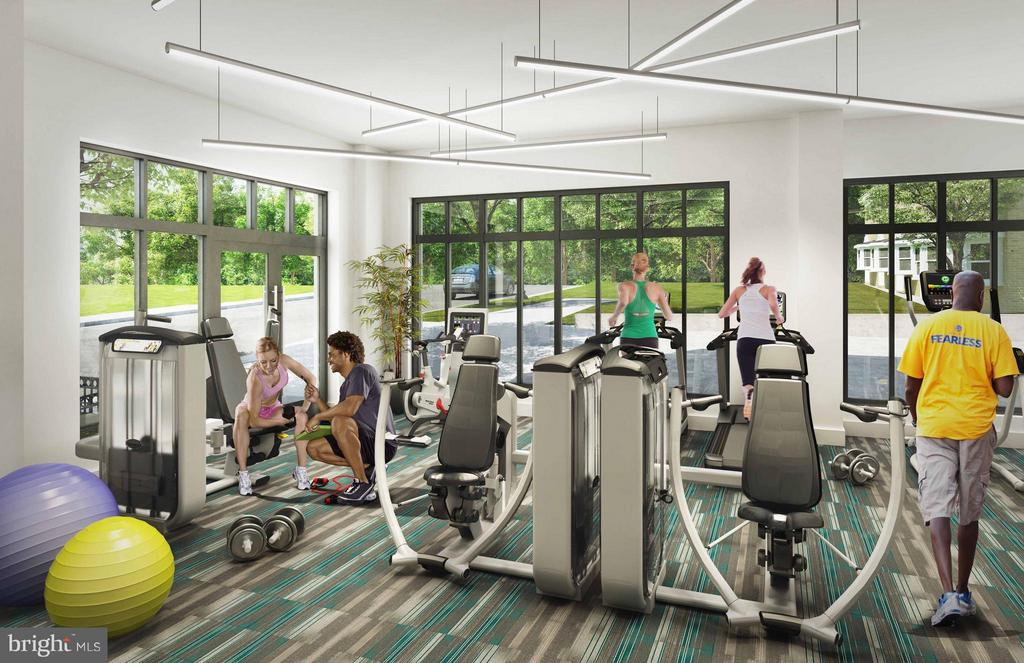 Fitness Center - 989 BUCHANAN ST S #413, ARLINGTON
