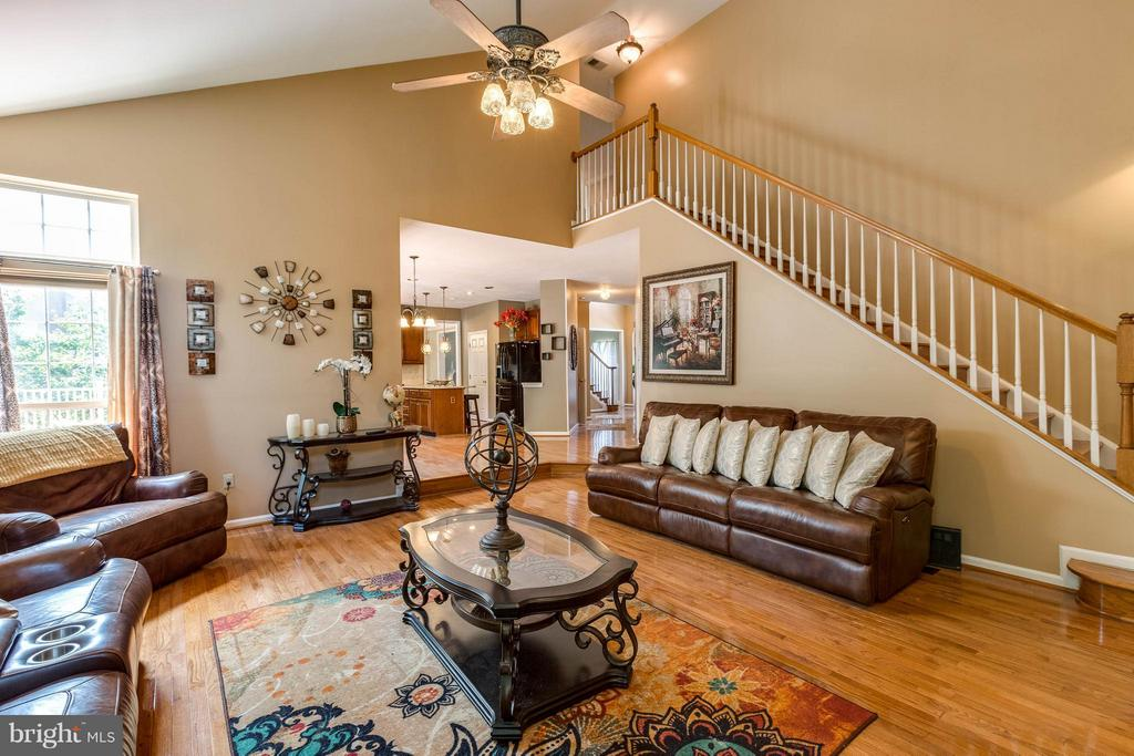 Great Room w/ 2nd Stair Case - 1801 DERRS CT, FREDERICK