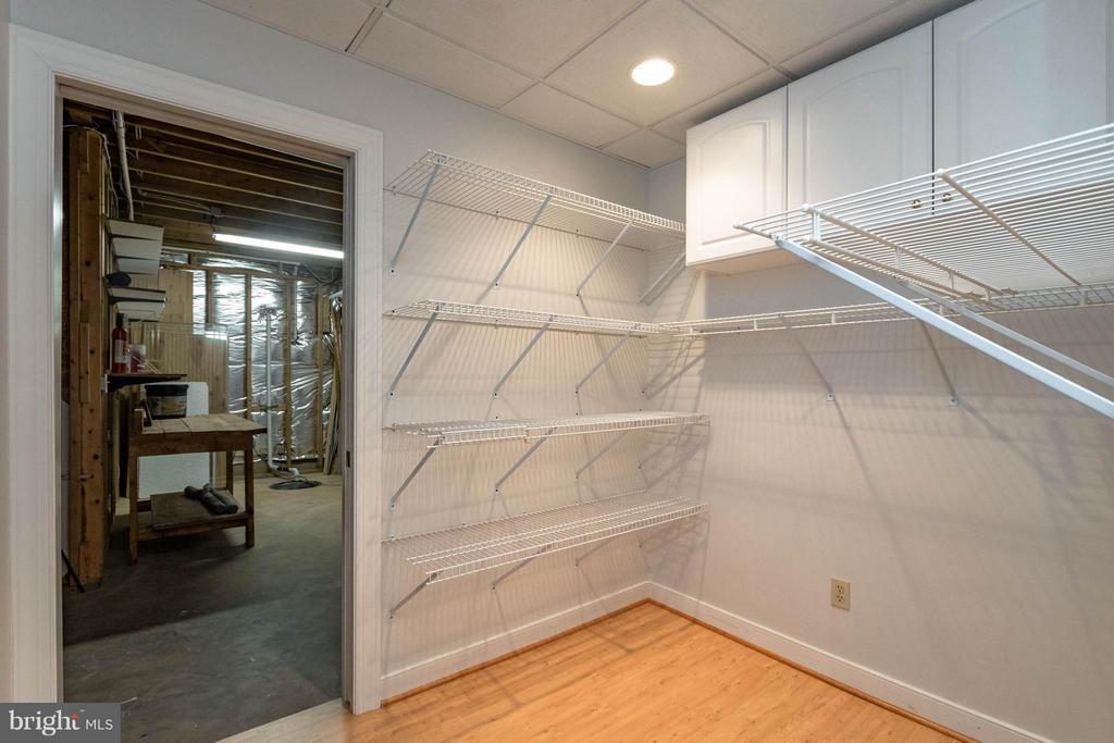Basement office separate walk in supply closet - 1 BRIDGECREEK CT, STAFFORD