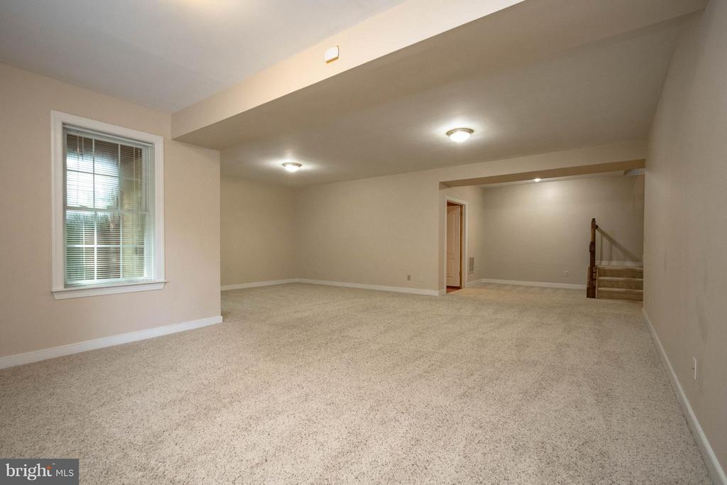 Family Room basement with slider door to patio - 1 BRIDGECREEK CT, STAFFORD