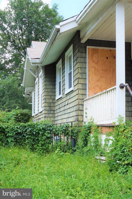 Side of house - 802 RITTENHOUSE ST NW, WASHINGTON