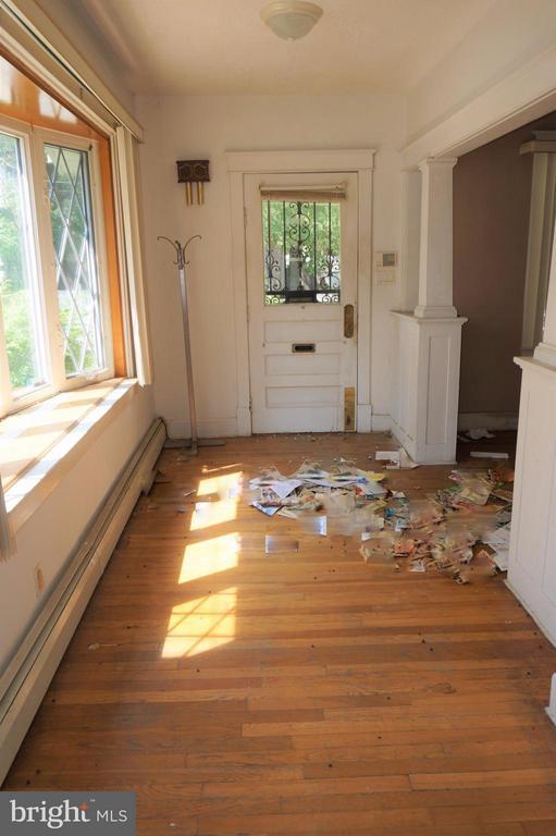 Foyer/Entrance - 802 RITTENHOUSE ST NW, WASHINGTON