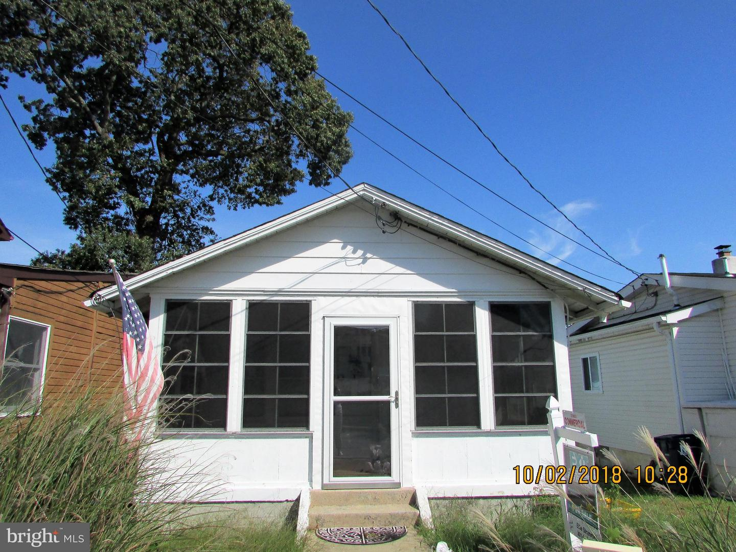 Photo of home for sale at 4112 Chestnut Avenue, North Beach MD