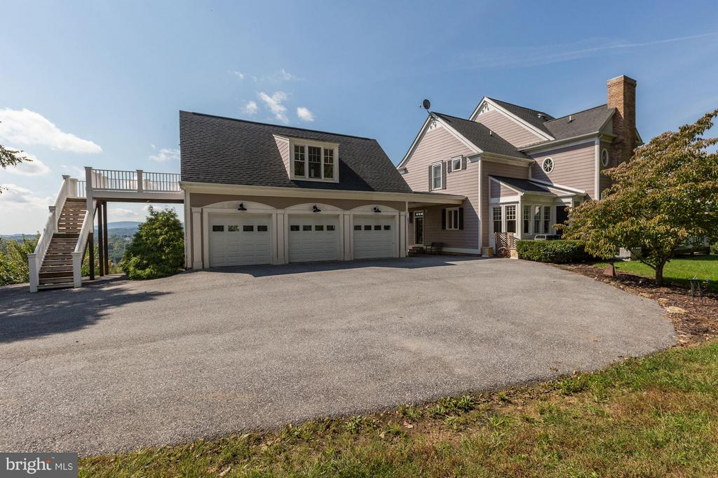 3 car garage with upper level guest quarters - 10711 EASTERDAY RD, MYERSVILLE