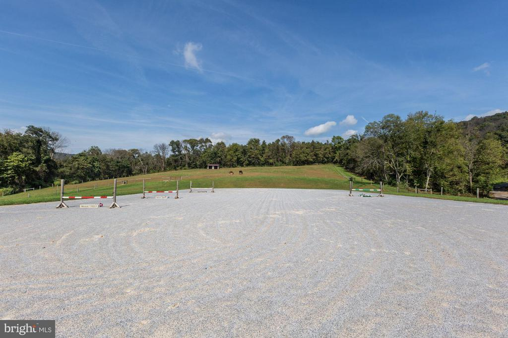 100 x 200 arena with footing - 10711 EASTERDAY RD, MYERSVILLE