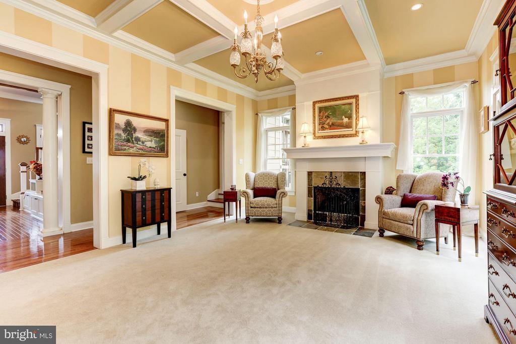 Living Room - 10711 EASTERDAY RD, MYERSVILLE