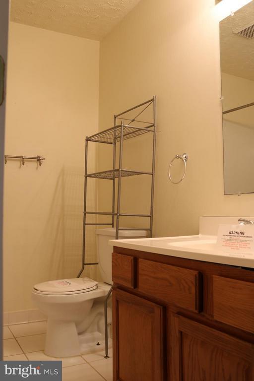 Full Main Bath - 76 BOILEAU CT, MIDDLETOWN