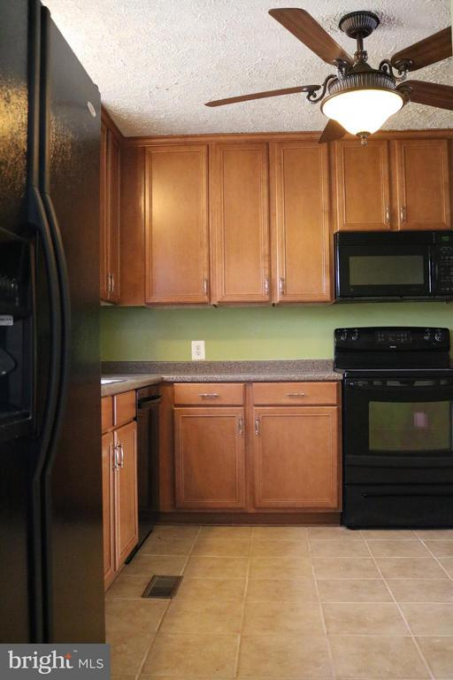 Kitchen - 76 BOILEAU CT, MIDDLETOWN