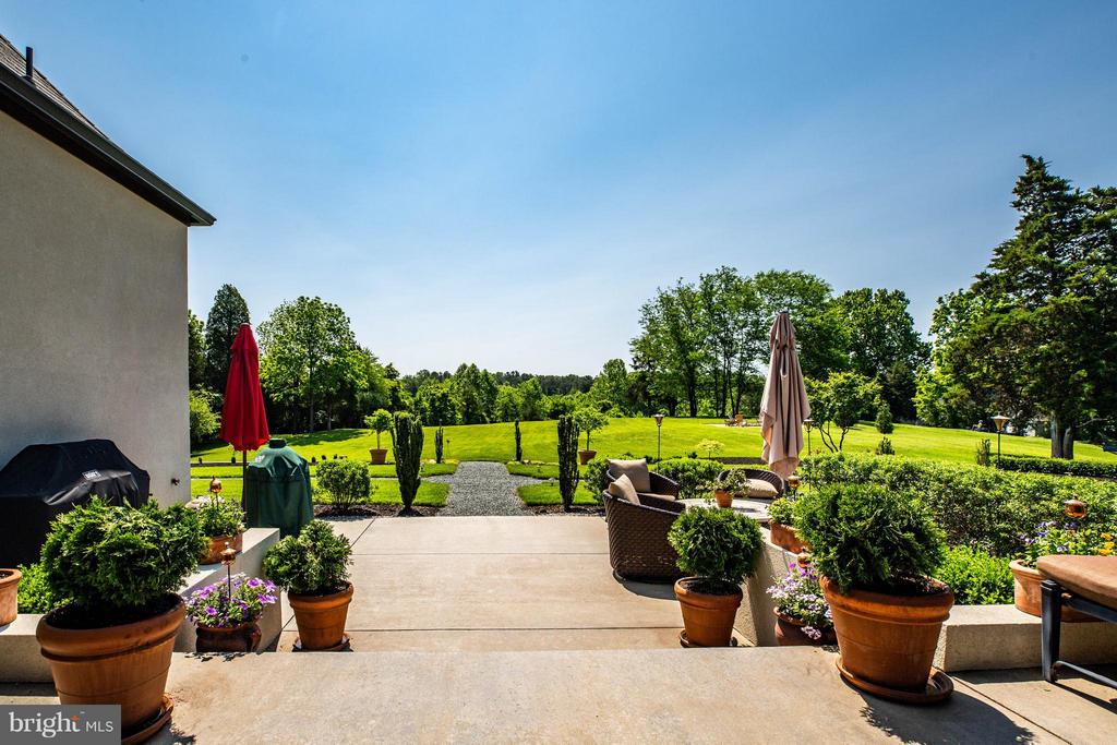 Tiered Patio Overlooking Private Acreage and Pond - 3 MERIDAN LN, STAFFORD
