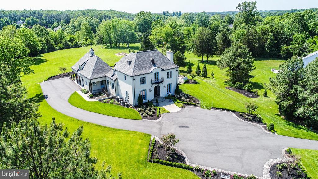 Custom Designed French Country Home on 5.25 Acres - 3 MERIDAN LN, STAFFORD