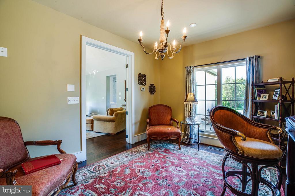 Master Bedroom Separate Sitting Room - 3 MERIDAN LN, STAFFORD