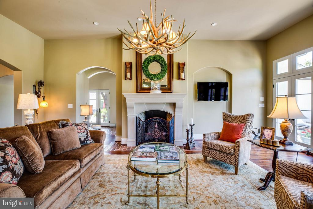 Family Room w/2nd Fireplace~Doors Opening to Patio - 3 MERIDAN LN, STAFFORD