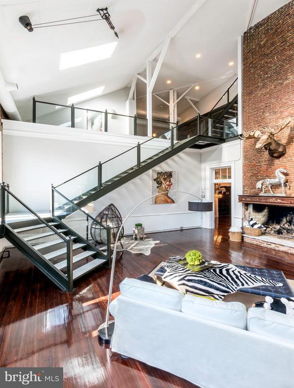 Living Room - 1375 MARYLAND AVE NE #H, WASHINGTON
