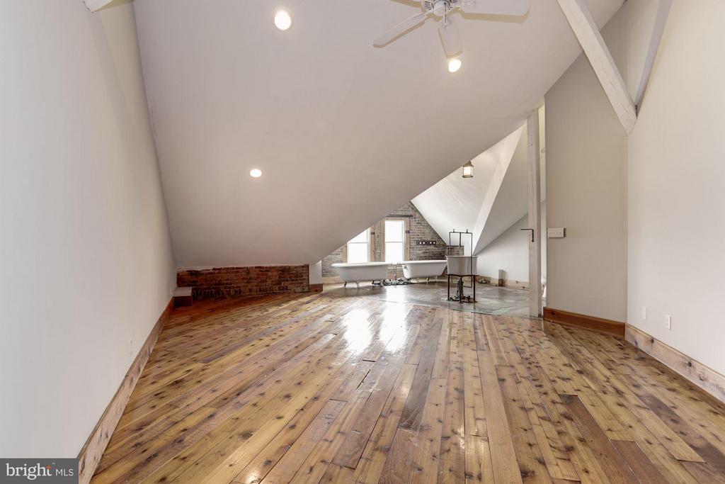 Bedroom - 1375 MARYLAND AVE NE #H, WASHINGTON