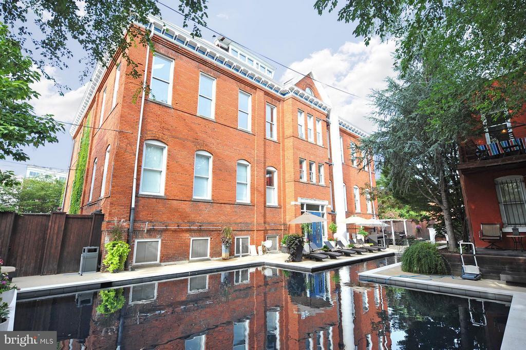 Pool - 1375 MARYLAND AVE NE #H, WASHINGTON