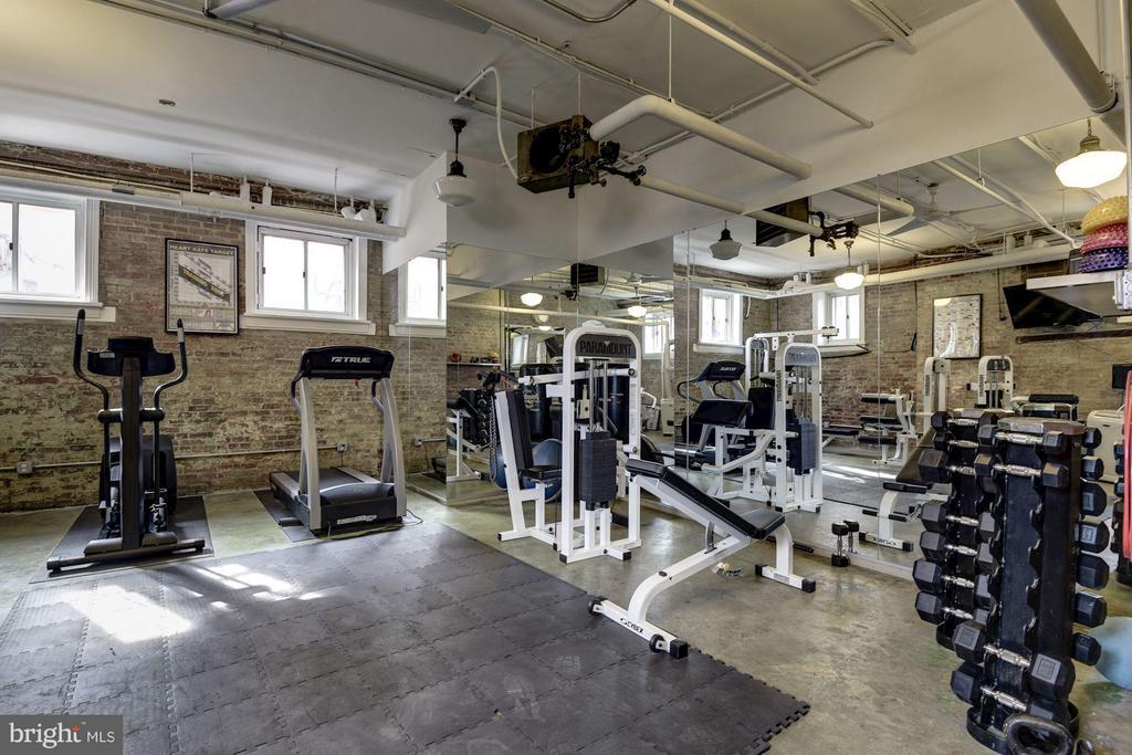 Building Gym - 1375 MARYLAND AVE NE #H, WASHINGTON