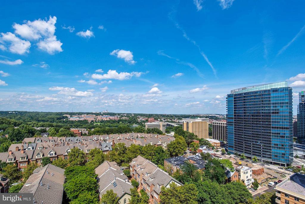 View from Main Balcony 2 of 2 - 1530 KEY BLVD #1324, ARLINGTON