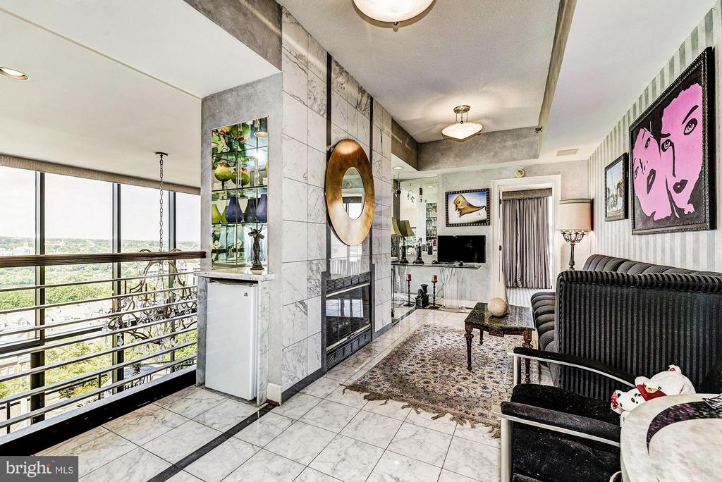 2nd Floor Hallway~1 of 2 - 1530 KEY BLVD #1324, ARLINGTON