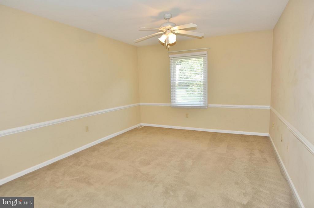 Master Bedroom - 7589 RUXTON DR, SPRINGFIELD