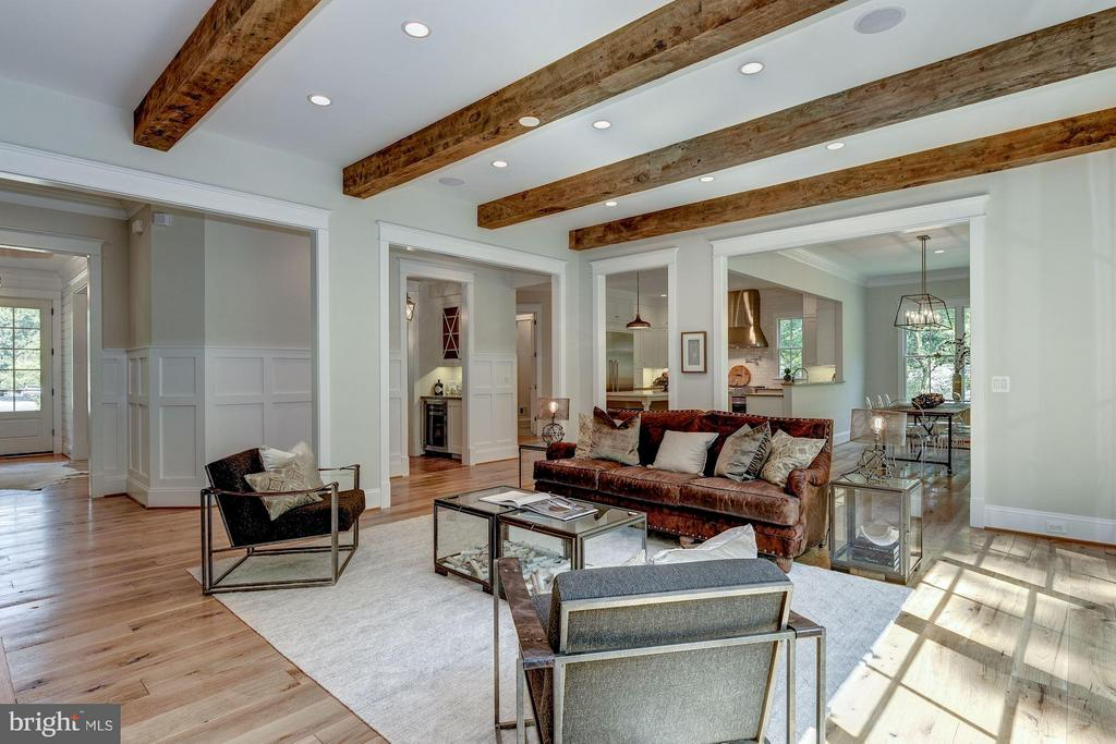 Cedar Beams in Family Room - 8232 ROBEY AVE, ANNANDALE