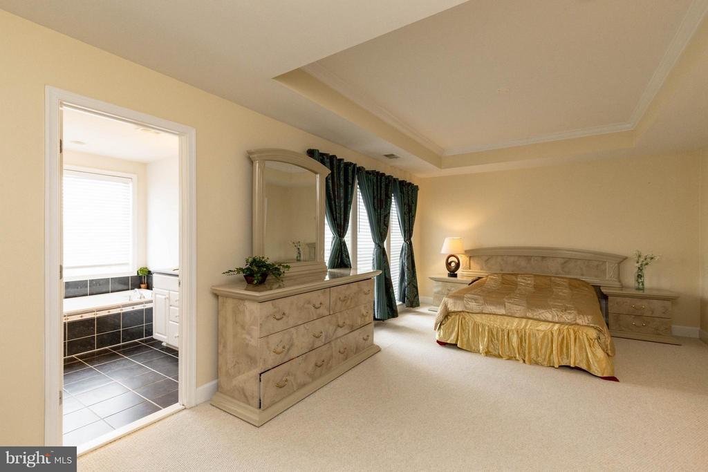 Master bedroom - 2373 BROOKMOOR LN, WOODBRIDGE