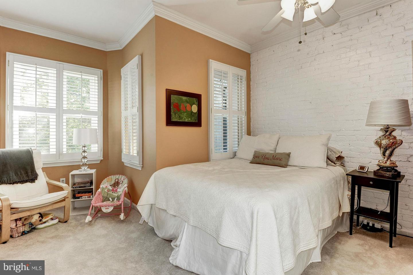 Additional photo for property listing at 624 7th St NE 624 7th St NE Washington, District Of Columbia 20002 United States