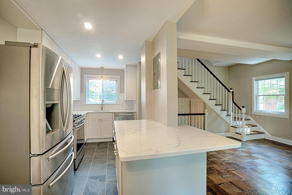 The craftsmanship makes this beautiful space - 1258 MARTHA CUSTIS DR, ALEXANDRIA