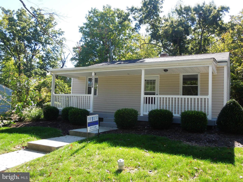 Single Family Homes voor Huren op 34389 CHARLES TOWN PIKE Purcellville, Virginia 20132 Verenigde Staten