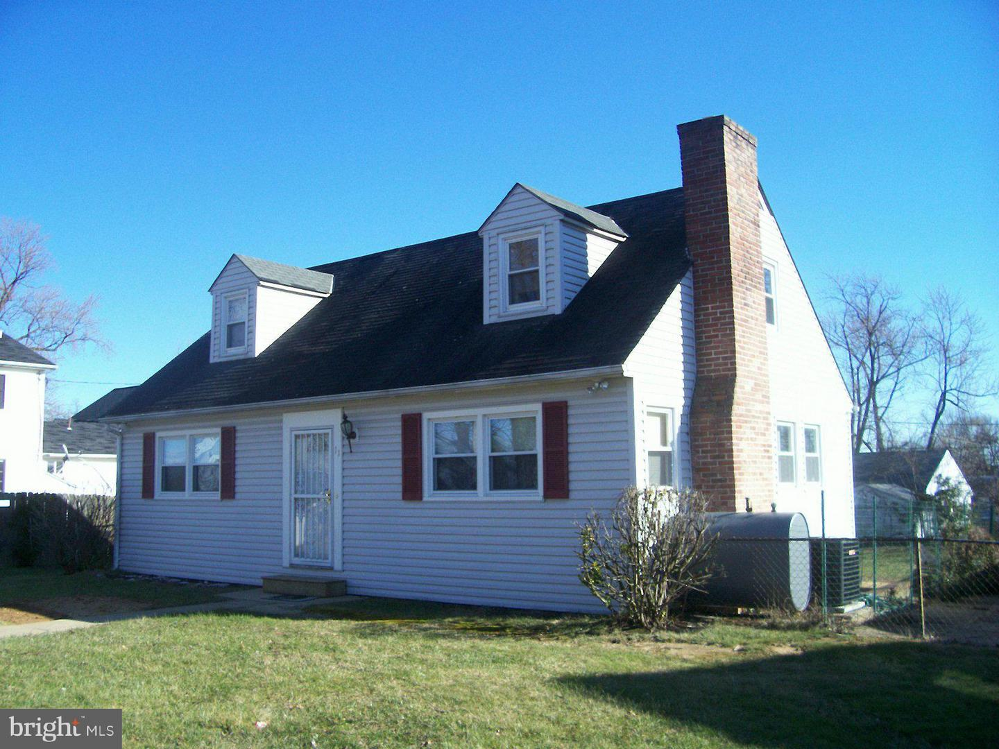 Single Family for Sale at 11 Wallace Ave Brooklyn Park, Maryland 21225 United States