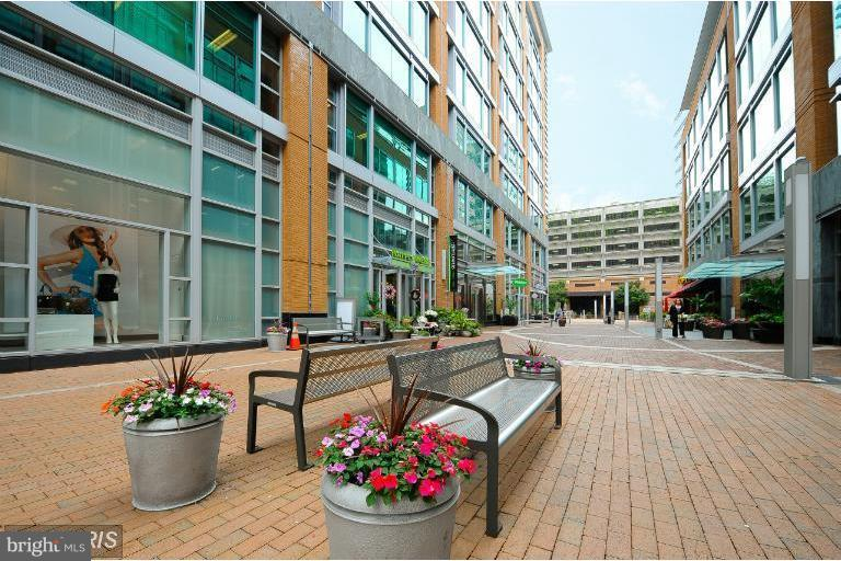 Great Shopping & Dining - 12025 NEW DOMINION PKWY #108, RESTON