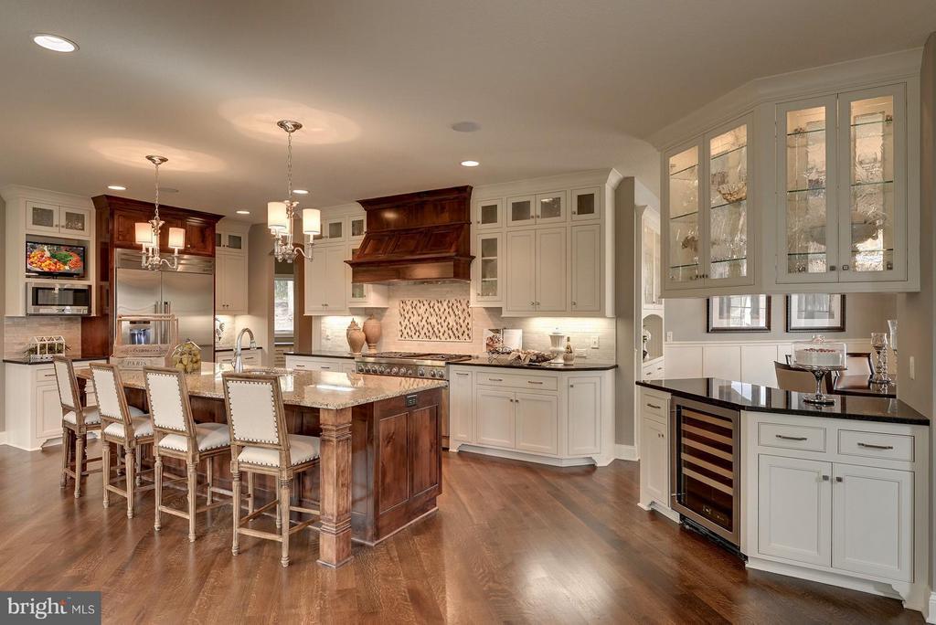 Kitchen - 6410 NEWMAN, CLIFTON