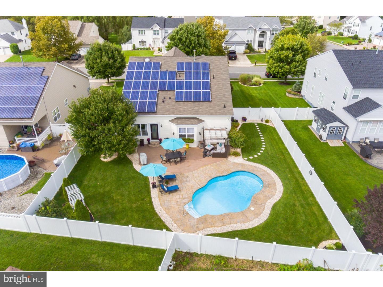 Casa para uma família para Venda às 121 INDEPENDENCE Drive Woodbury, Nova Jersey 08096 Estados Unidos