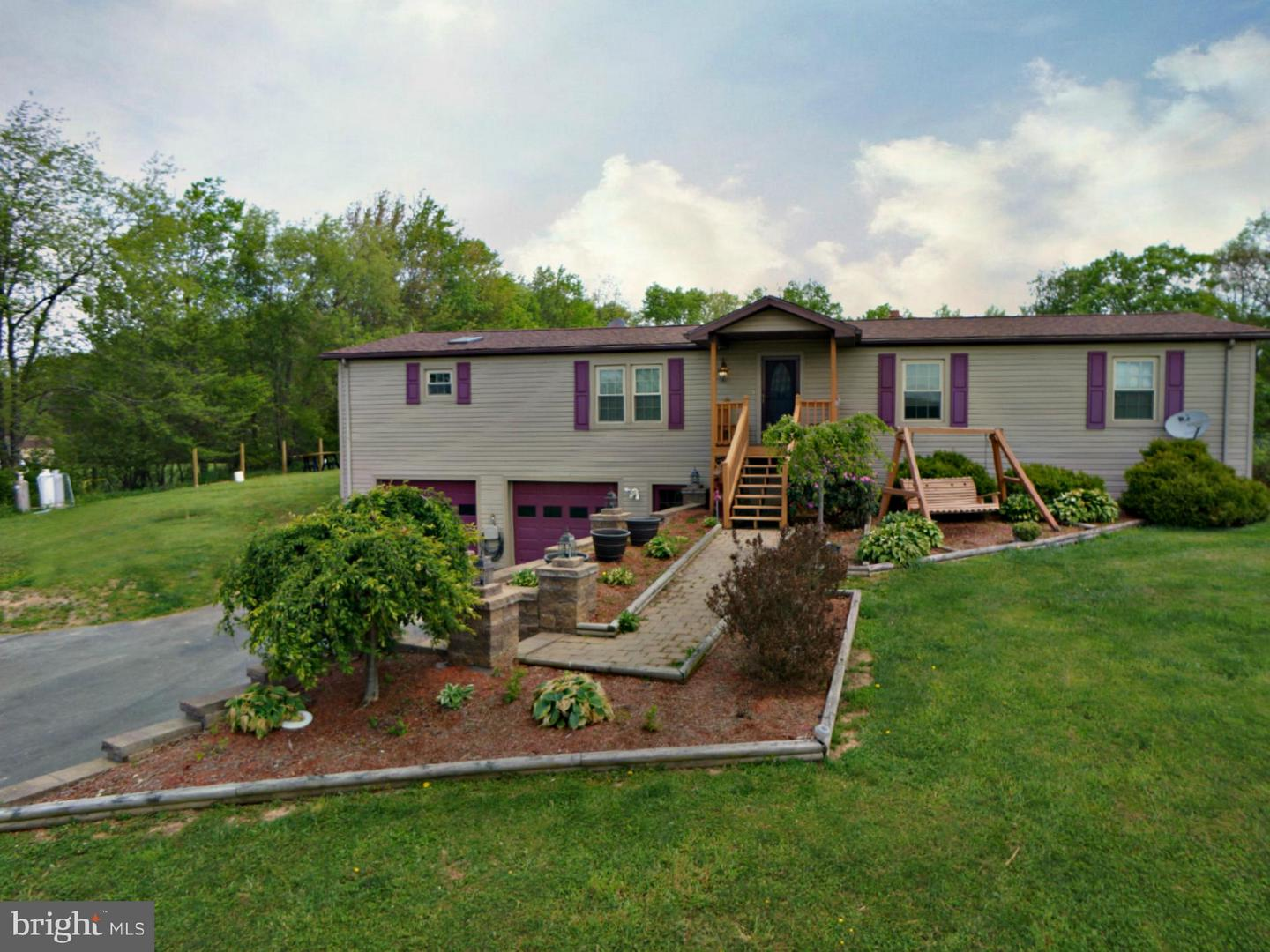 Photo of home for sale at 503 Snowy Creek Road, Oakland MD