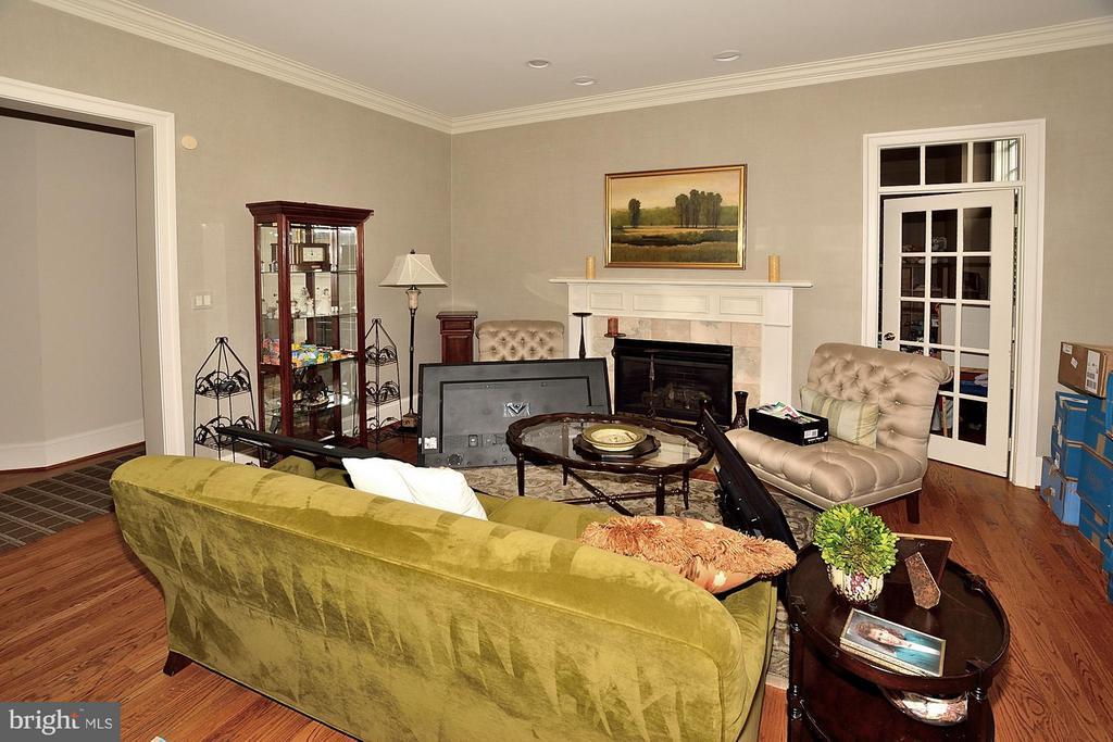 Living Room - 634 RIVER BEND RD, GREAT FALLS