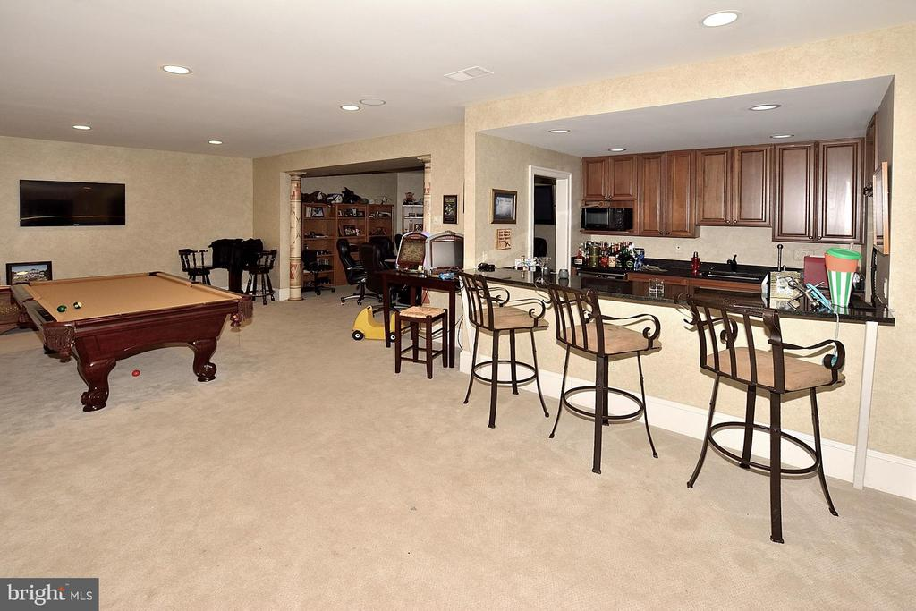 Perfect for Entertaining! - 634 RIVER BEND RD, GREAT FALLS