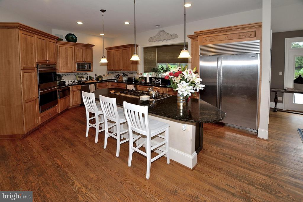 High -End Appliances - 634 RIVER BEND RD, GREAT FALLS