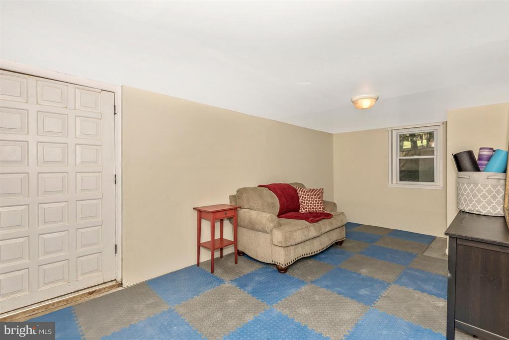 Basement with walk out-get creative! - 6761 SLACKS RD, SYKESVILLE