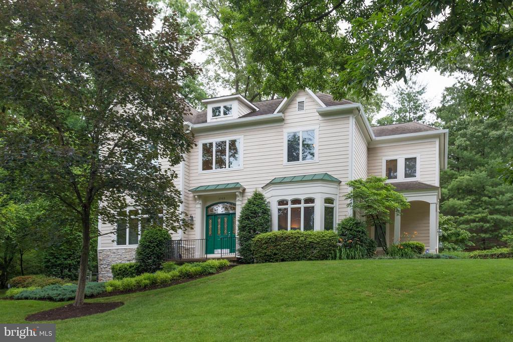 3242  VALLEY LANE, Falls Church, Virginia