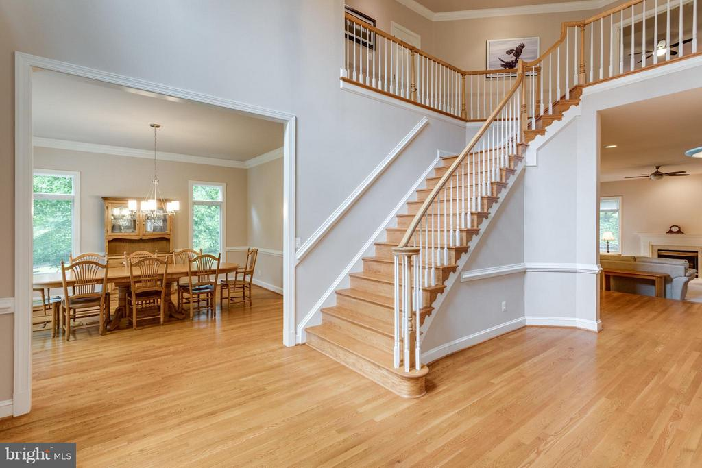 Extra wide hardwood staircase - 3242 VALLEY LN, FALLS CHURCH